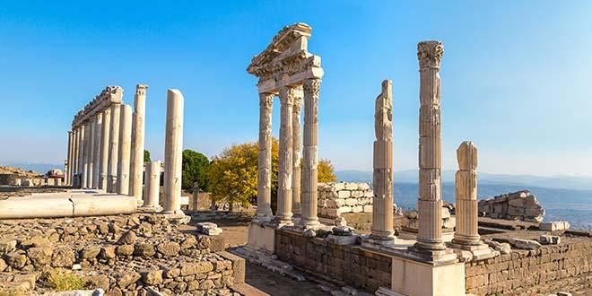 Światynia Trajana - Pergamon - Riwiera Egejska